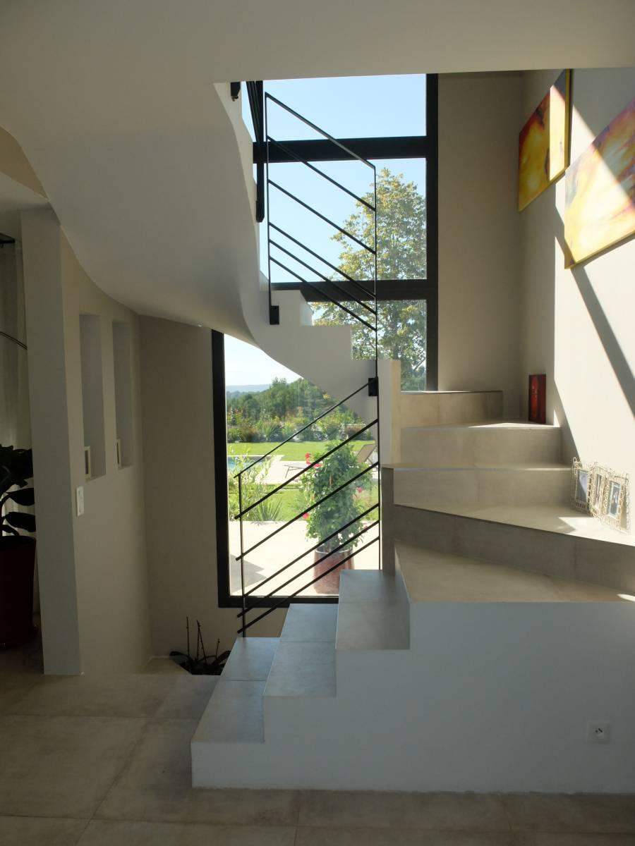 contemporaine aix en provence toitures terrasses et debords de toit bureau d 39 tude et. Black Bedroom Furniture Sets. Home Design Ideas